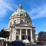 ドーム型の教会