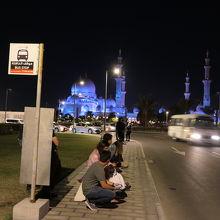 モスクのバス停