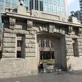 写真:旧大阪毎日新聞大阪本社 旧社屋玄関 玄関ポーチ