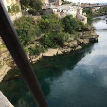 スターリー・モストダイビングポジション側から見たネレトヴァ川