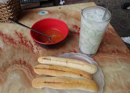 Che Thai & Banh Mi Cay