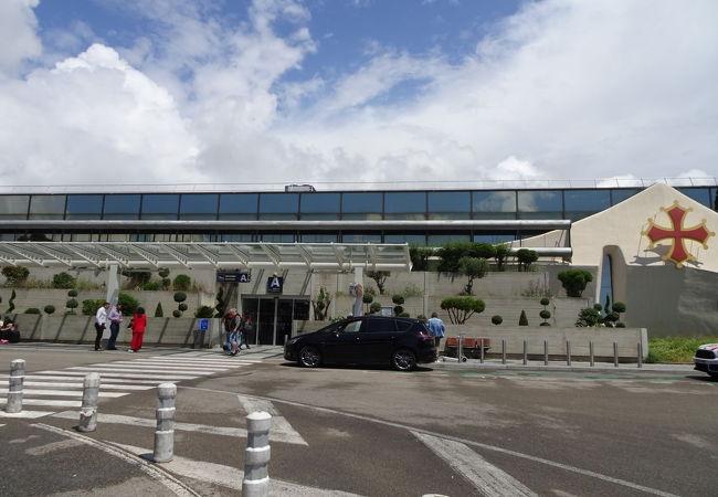 モンペリエ メディテラネ空港 (MPL)