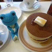 鎌倉の老舗カフェでしっかりもっちりホットケーキ