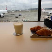 羽田空港 エアポートラウンジ (第1旅客ターミナル2F 南ウイング)