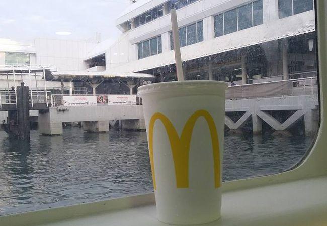 マクドナルド  Tampines West CC
