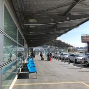 シュンゲン協定の有無でターミナルが違う空港