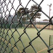 テニスコートとしても使用されます