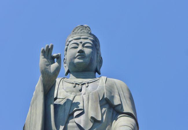 塩船観音寺 観音像(塩船平和観音)