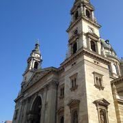 教会前広場