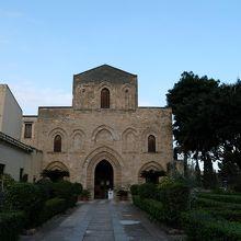 アラブノルマンノの特徴が良く出た教会