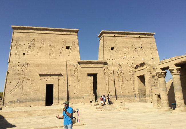 アスワン・ハイ・ダムの建設で移築された神殿