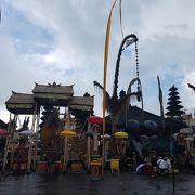 巨大な寺院
