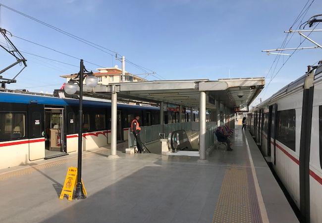 テコペイ駅