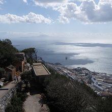 展望台からの景色2。遠くにうっすらアフリカ大陸が見える