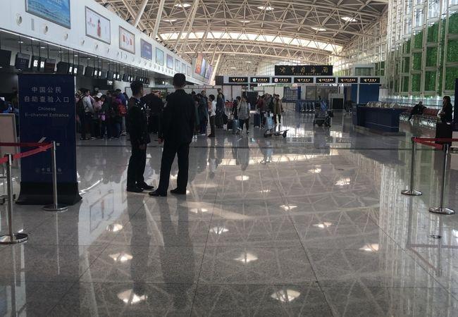 済南遥墻国際空港 (TNA)