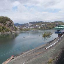 犬山橋の近くからの景観です。