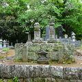 写真:北条義時の墓