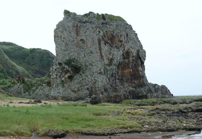 タチジャミ岩