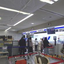 青森空港 こじんまりした便利な空港です。