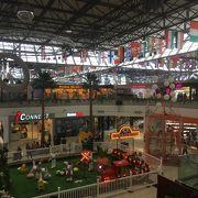 グアムの大型ショッピングセンター