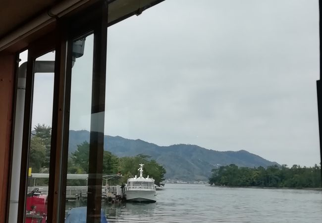 天橋立を眺めながらのんびりと昼食