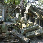 シェムリアップにあるたくさんの遺跡の1つ