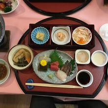和食ディナーの一部