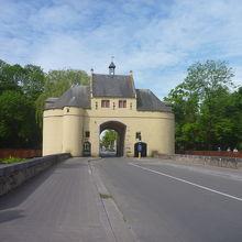 鍛冶屋の門
