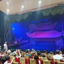 劇場の様子