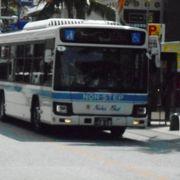 珍しく前乗りのバスでした。