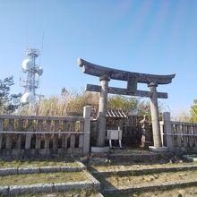 弥彦神社奥宮 御神廟