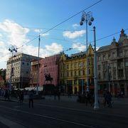 市内中心部、観光の拠点となる場所