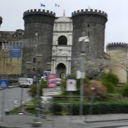 ルネサンス建築の城