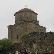 栃ノ心の故郷ムツヘタで、「ムツヘタの歴史的建造物群」として1994年に世界文化遺産に登録された歴史地区です。