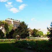 美術館のある広場