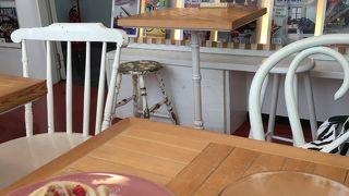 インテリアブックワームカフェ