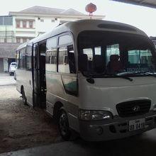 ルアンナムターへのバス