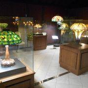 ステンドグラスと花と絶景