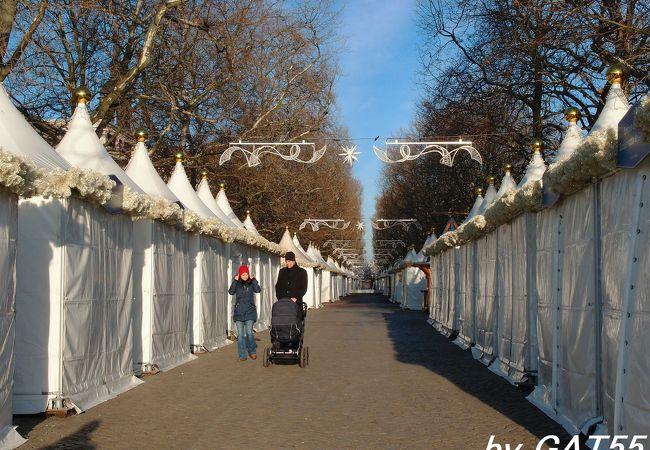 ここのクリスマスマーケットも12月26日は全閉店です。