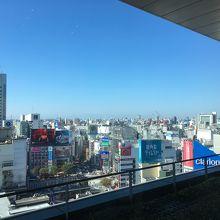 西側には工事中の渋谷駅周辺や109