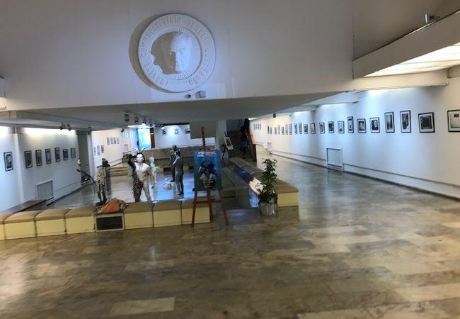 イズミル絵画彫刻美術館