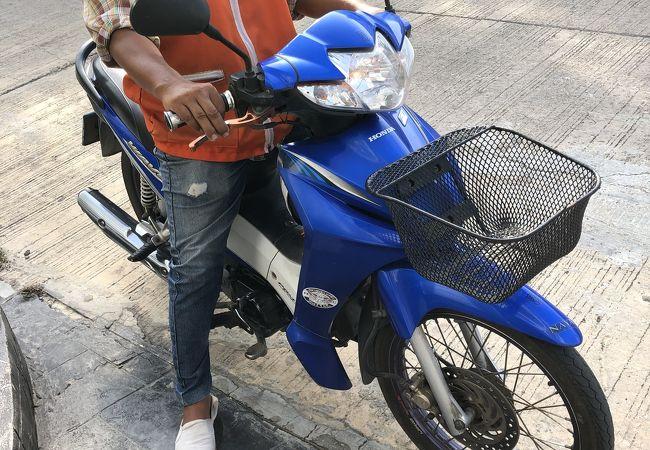 バイク タクシー