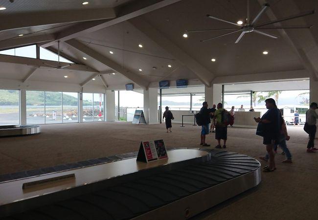 グレートバリアリーフ空港 (HTI)