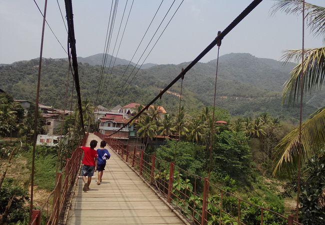 大きな吊り橋