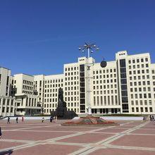 ネザレージナスツィ広場