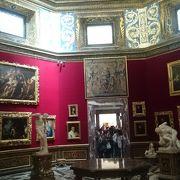 イタリアに行ったら絶対いくべし。絵も最高だが外の景色も見逃せない