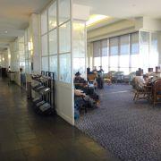 ハワイ・旧ホノルル国際空港のスタアラのラウンジ『ユナイテッドクラブ』の口コミ