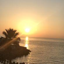 展望デッキから眺める夕陽