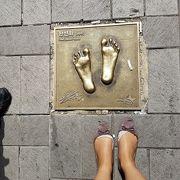 スターの手形、足形があります。