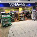 写真:WHSmith (ダブリン空港店)